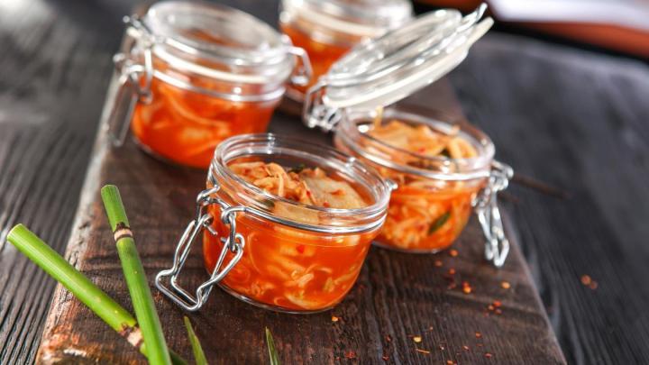 sałatka-ze-sfermentowanego-kimchi-50239841.jpg