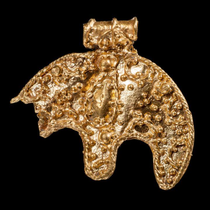 z15254792O,Awers-zapinki-z-przelomu-III-i-IV-wieku-znalezione.jpg